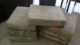 Almofadas p poltrona ou bancos de madeira e alvenaria