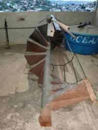 Vendo escada caracol usada