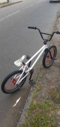 troco BMX por aro 26