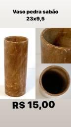 Vaso de pedra sabão e vaso inox