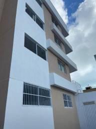 Alugo excelente apartamento de 02 quartos em Ponta Negra