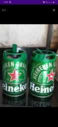 2 Barris Heineken Vazios.