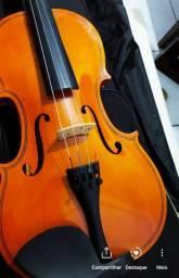 Violino em excelente estado de conservação