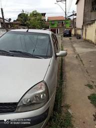 Clio sedan 1.0 16v .. 2004