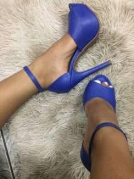 Sandália de salto