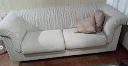 Os dois sofás 350 reias /tem que vir buscar