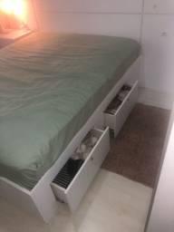 Base de cama queen de MDF com colchão
