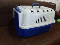 Caixa grande p transportar gato.