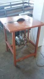 Máquina de cortar madeira usada