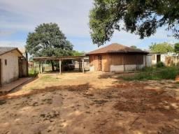 Velleda oferece 2 terrenos e meio com 2 casas + quiosque