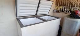 Vendo esse freezer com problema