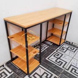 Mesas e móveis estilo industrial