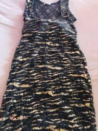 Vestido Preto com dourado P