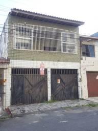 Aluga-se Casa Residencial-Comercial Vizinho ao Christus da Av. Humberto Monte