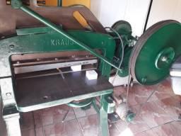Guilhotina marca Krause elétrica