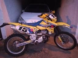 Suzuki drz 400 muito nova 2003