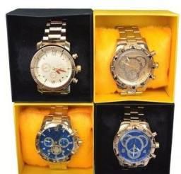 Lindos Relógios Invicta em aço, na caixinha luxo.