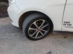 Jogo de rodas aro 17 com pneus seminovos