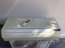 Ar condicionado HITACHI RAC322B1