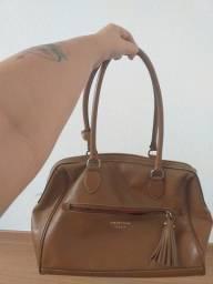 Bolsa de couro legítimo usada