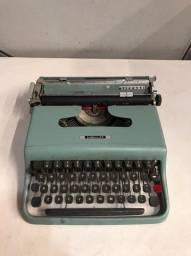 Máquina de Escrever Lettera 22