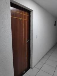 Alugo apartamento em mandacaru