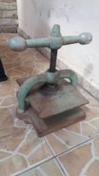 antiga prensa de papelaria