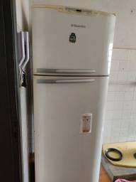 Vendo geladeira em Dourados