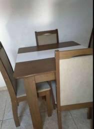 vende-se mesa com cadeiras