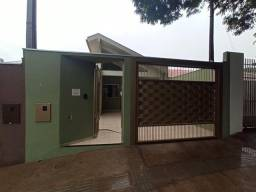 Venda | Casa com 90 m², 3 dormitório(s), 2 vaga(s). Conjunto Habitacional Requião, Maringá