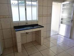 Casa com 1 dormitório para alugar por R$ 500/mês - Jardim Elvira - Osasco/SP