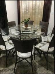 Mesa de vidro com 8 cadeiras