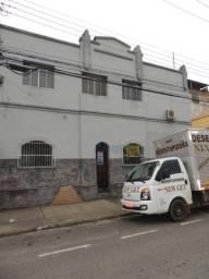 Apartamento com 3 dormitórios para alugar, 60 m² por R$ 700/mês - Ladeira - Juiz de Fora/M