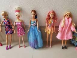 Lote de 22 Barbies