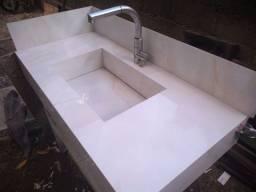 Lavatório de porcelanato