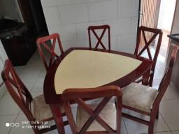 Vendo mesa com 6 cadeiras + Bufê