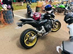 Moto Hornet top
