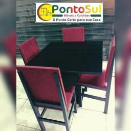 Mesa com cadeiras (Novo)