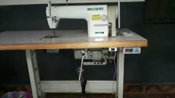 Máquina de costura industrial pra acabamento