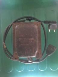 Trasformador de voltagem