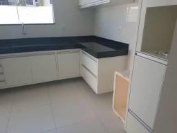 Vende-se belíssima casa, na Orla norte de Porto Seguro, com 3 quartos, sendo 1 suíte