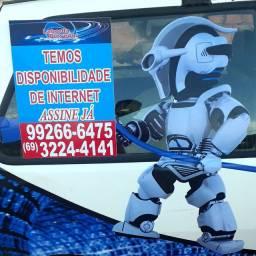 Internet via fibra óptica* e via rádio (* verifique disponibilidade)