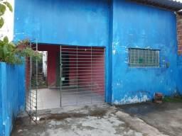 Casa na Vila Popular rua calçada otima localização
