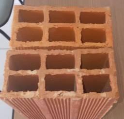 Telhas,blocos,madeiras,e ferragem