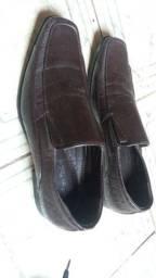 Sapatos n.43