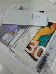 Vendo ou troco lindo aparelho Samsung a30 impecavel 64 Giga