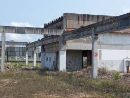 Vendo estrutura  de galpao de concreto