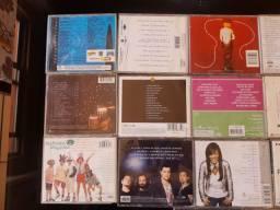 Lote de CDs, gêneros variados.