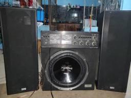 Caixa som e um amplificador 5500w