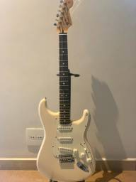 Guitarra Fender Stratocaster 2012 mexicana Olympic White com Customy Pickups
